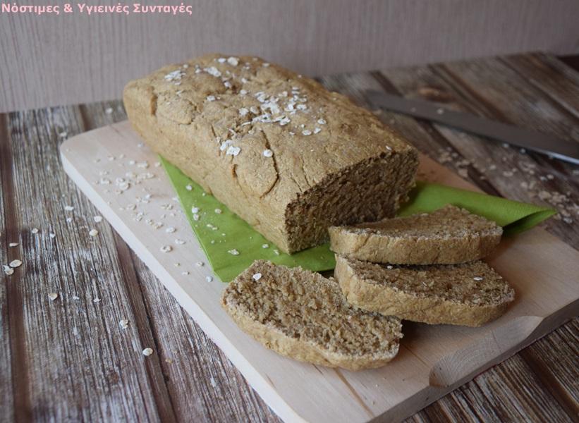 σπιτικό ψωμί με αλεύρι βρώμης