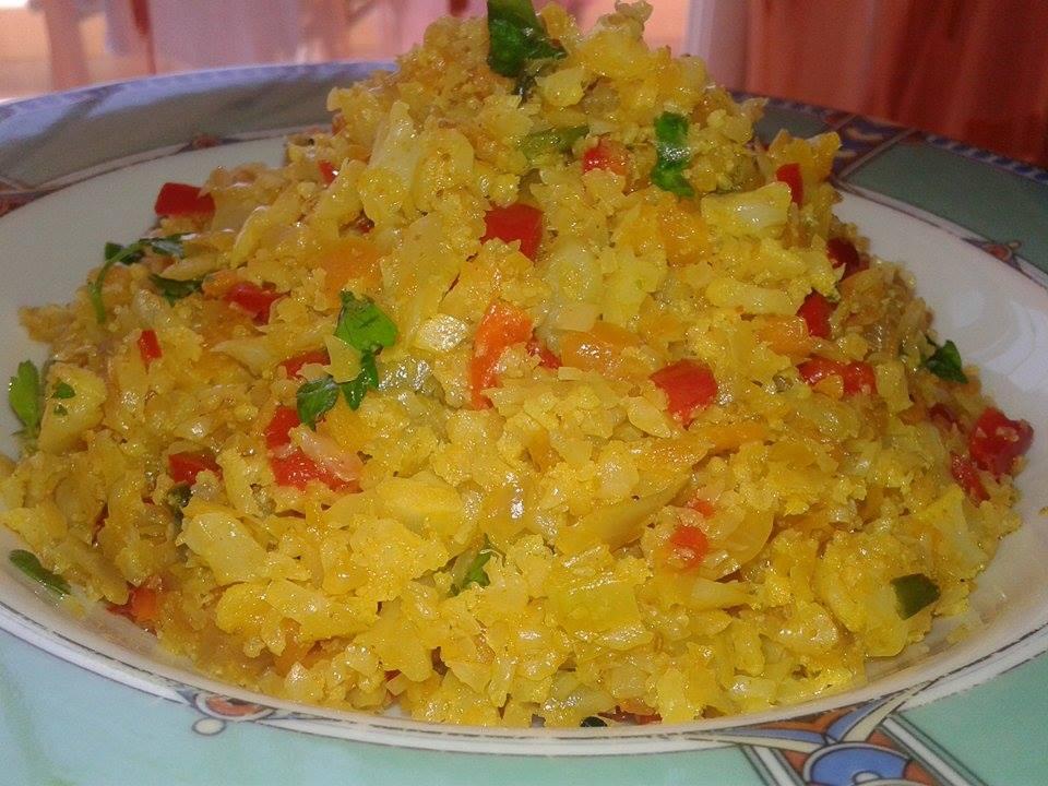 ρύζι από κουνουπίδι με λαχανικά