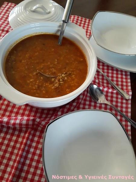 φακές κοκκινιστές με ρύζι σούπα