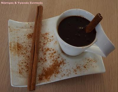 νηστίσιμο ρόφημα σοκολάτας χωρίς ζάχαρη με γάλα καρύδας