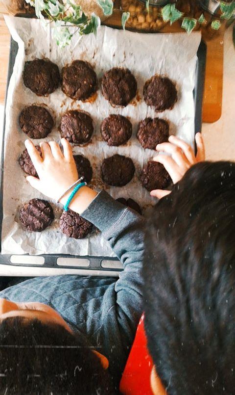 μαλακά μπισκότα σοκολάτας χωρίς ζάχαρη