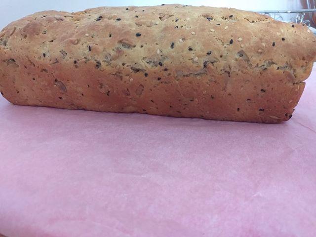 πολύσπορο ψωμί χωρίς ζάχαρη