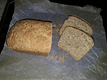 πολύσπορο-ψωμί-με-αλεύρι-ζέας