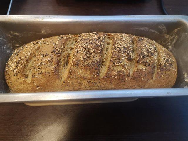 ψωμί με βρώμη