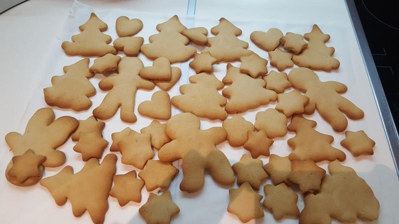 Χριστουγεννιάτικα-μπισκότα-βουτύρου