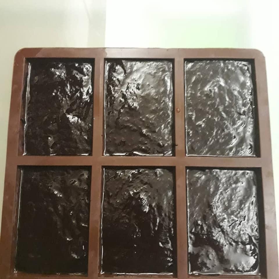 φ'ορμα-σιλικόνης-σε-σχήμα-σοκολάτας