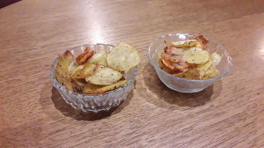 πατατάκια στο φούρνο