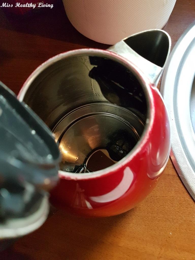 πως να καθαρίσεις τον βραστήρα χωρίς χημικά καθαριστικά με οικολογικό τρόπο