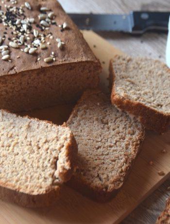 ψωμί με αλεύρι φαγόπυρου και Ζέας