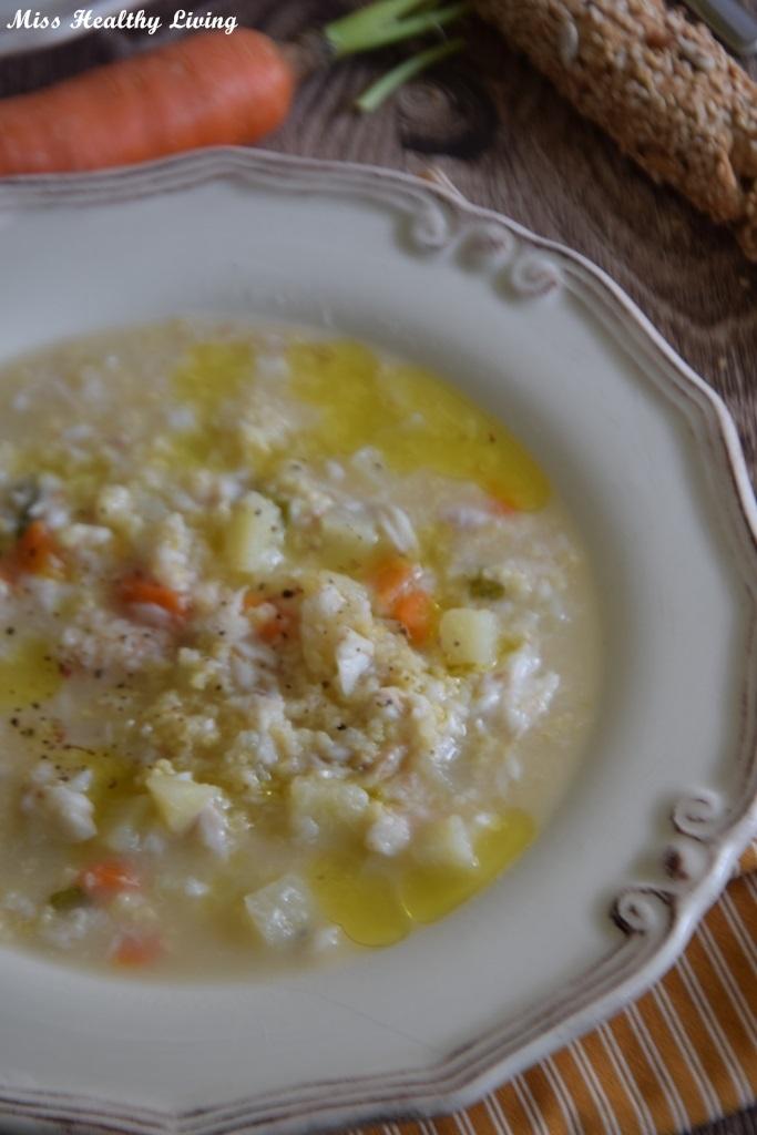 ψαρόσουπα με μπακαλιάρο