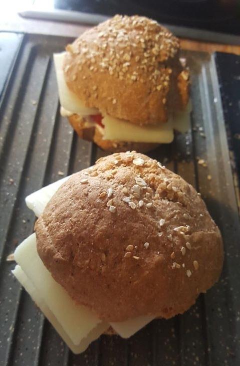 ψωμί για μπέργκερ ολικής