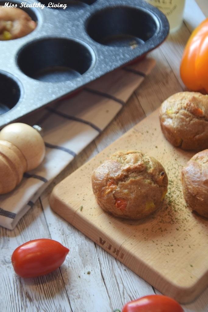 αλμυρά κεκάκια με πιπεριές και μυρωδικά